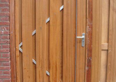 deur van houten schutting